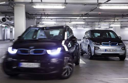 Интеллектуальный мониторинг для автомобиля  автомобили BMW и припаркуются самостоятельно, и приедут по вызову к водителю | хэтчбек BMW i3 фирма Continental программа навигации парковщик на дистанционном управлении Навигация навигационная система Навигационная программа купе 2 Series комплекс ActiveAssist интеллектуальная система мониторинга за состоянием водителя Автомобильная навигация автогаджеты Remote Valet Parking GPS устройства GPS навигация gps навигатор GPS гаджет BMW Aisin